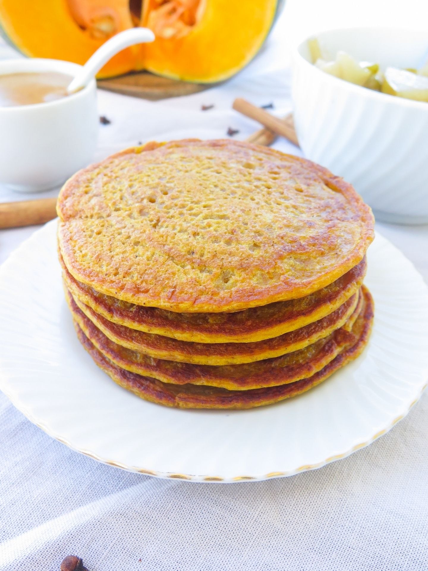 Kürbis Pancakes Stapel ohne Toppings